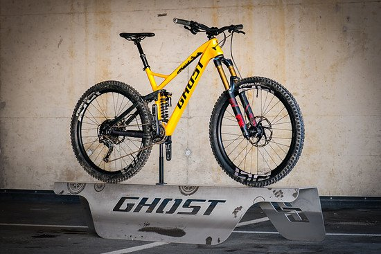 GHOST-Bikes MY2017 - preview to our new FR AMR with coil shock