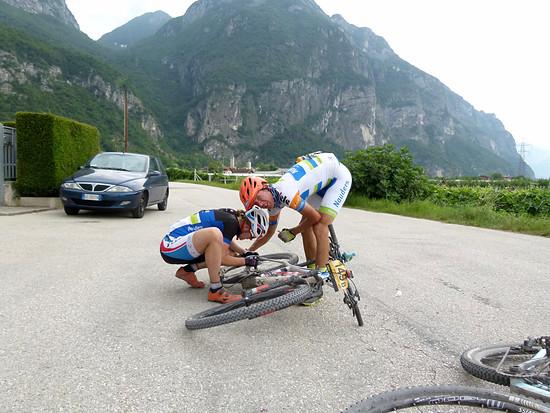 """Der """"Race across America"""" Sieger Pierre Bischoff mit seiner Partnerin Janine Schneider, Panne kurz vor Trento"""