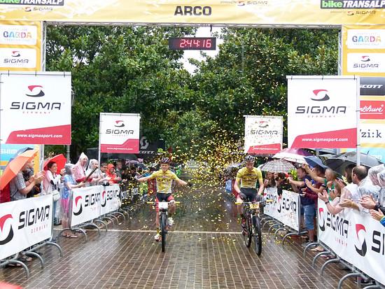 Die Gewinner der diesjährigen Bike Transalp: Geismayr/Pernsteiner Team Centurion Vaude.