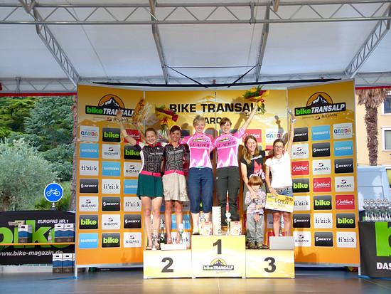 Die Sieger der Damenwertung in meiner Lieblingsfarbe: Sarah Reiners und Cemile Trommer