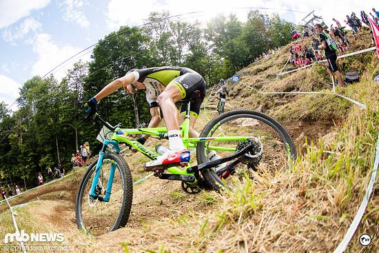 Ondrej Cink auf dem auffällig lackierten Olympiabike von Merida