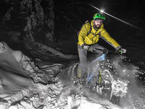 Frozen Snow Shot @flowvalley by max_rasp