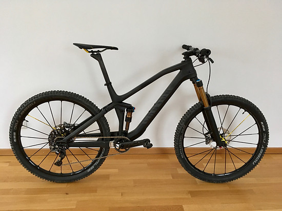 Canyon Spectral CF Stealth