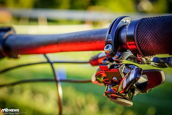 Zusätzlich kann der Schalthebel gegenüber dem Bremshebel axial verdreht werden, um eine bestmögliche Ergonomie zu erreichen