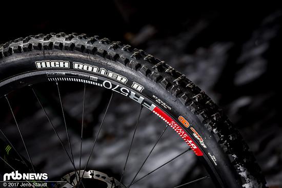 Dicke Reifen sorgen für zusätzliche Dämpfung, Pannenschutz und Traktion