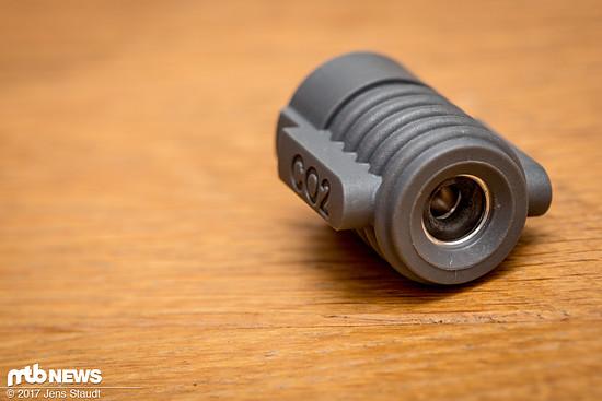 Im Topmodell der Crankbrothers Klic HV Pumpe ist ein CO2-Adapter integriert