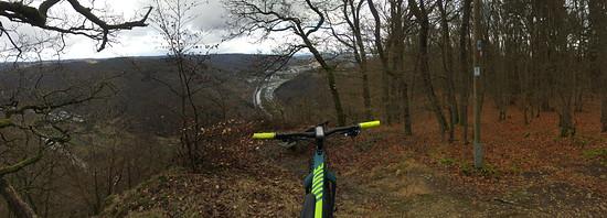 Trail-Runde an der Lahn, Canyon Dude CF 9.0 Unlimited