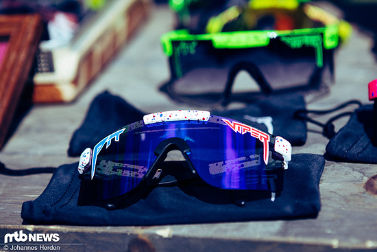 The Absolute Freedom Polarized