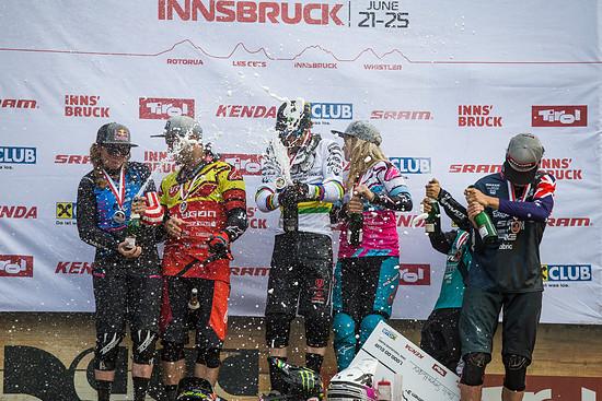 cworx innsbruck 16555 downhill podium champagne 35134820860 o