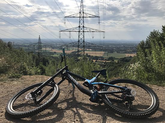 Strommasten Downhill Karlsruhe <3
