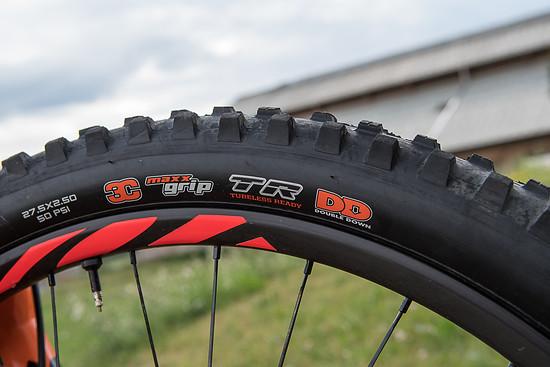 Maxxis Double Down - Kompromisse mit den leichteren EXO Reifen machen wir fürs Rennen keine