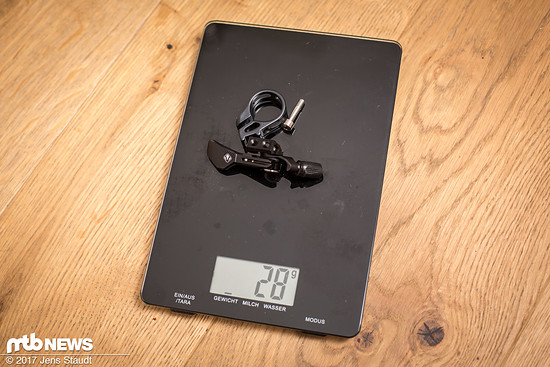 Wir entscheiden uns jedoch für den trigLOC-Daumenhebel. Gesamtgewicht ohne Hülse, mit Klemme und Lenkerschelle: 598 g