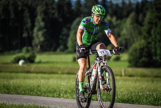 """An Multiple Sklerose erkrankt und auf dem linken Auge nur 5% Sehkraft. Andreas Schmelzer bestreitet seit Jahren extreme Mountainbikerennen und fühlt sich so wie ein """"normaler Mensch"""""""