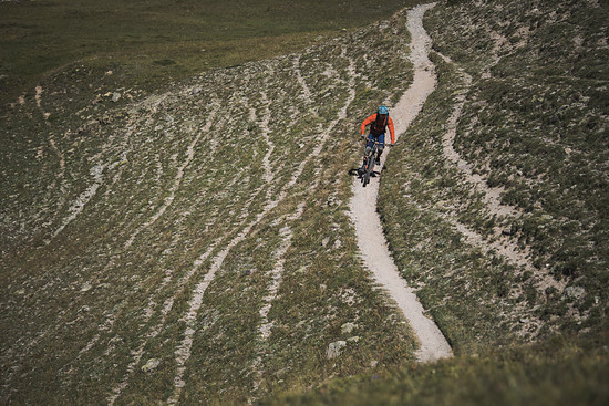 In einfachem Gelände fühlt man sich nie so, als hätte man zu viel Bike dabei