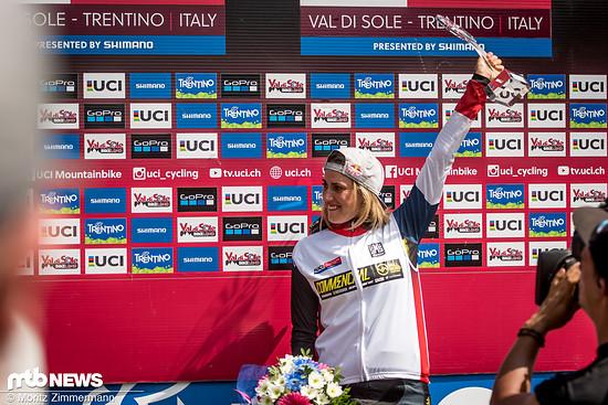Derweil freut sich Myriam Nicole über den Gesamtsieg im Weltcup