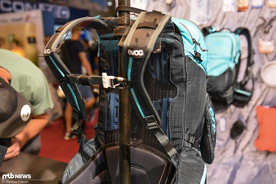 Atmungsaktive Rückenpartie und ausreichend Polsterung für lange Ausflüge