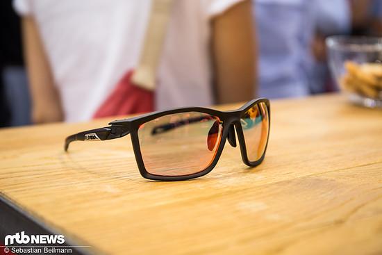 Die neuen Alpina Twist Five Brille kommen teilweise mit QuattroVarioflex Technologie