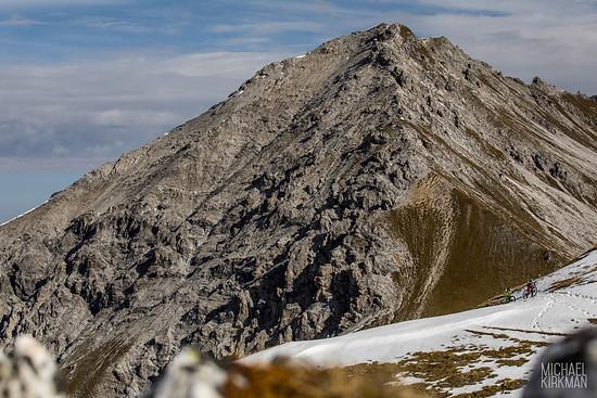 Die Trails sind teilweise noch schneebedeckt
