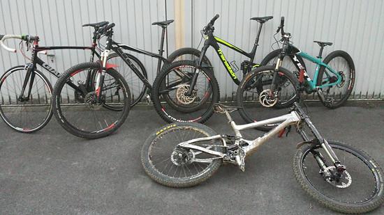 ... für die restlichen Zweiräder war auf dem Foto kein Platz mehr