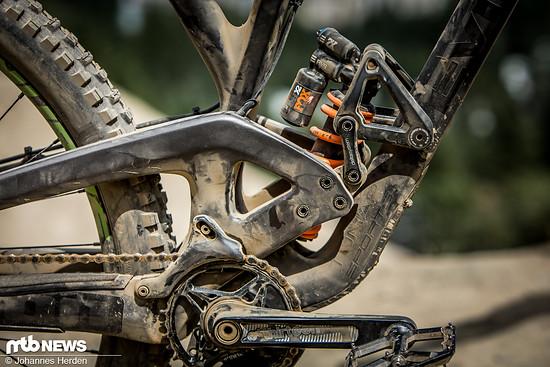 Da das Evil The Wreckoning für Rob Heran oft das Big Bike ersetzt, hat er einen Fox DHX2-Stahldämpfer mit 450er Feder verbaut.
