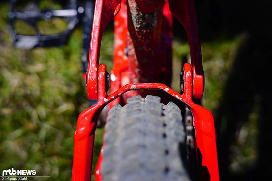 Mit breiten Reifen wird's eng