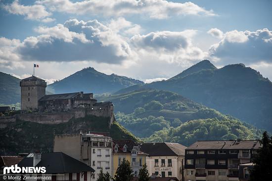 Bienvenue à Lourdes! Wie in den Vorjahren findet der Saisonauftakt 2017 im Südwesten Frankreichs statt.