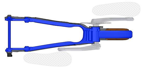 Beim Vergleich des neue Knolly Fugitive (grau) mit aktuellen Modellen (blau) kann man gut erkennen, dass der Hinterbau im Bereich der Ferse nur unwesentlich breiter geworden ist.