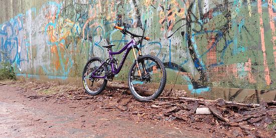 Knolly Delirium Gr. L - Purple (650B, 180/170mm)