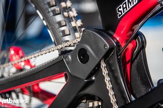 Dadurch, dass die Kette durch den Drehpunkt läuft, verhindert Norco, dass das Rad einen zu starken Kettenzug beim Einfedern entwickelt.