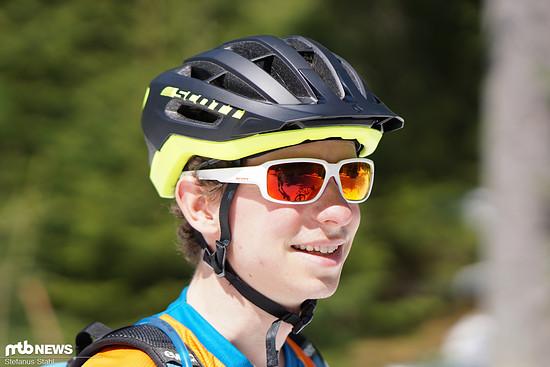 """Die Passform des Scott Fuga Plus ist insgesamt gut, der Helm sitzt gefühlt jedoch eher """"auf"""" als """"um"""" dem Kopf"""