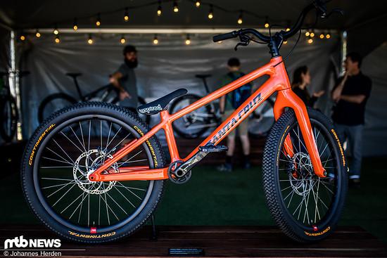 Danny MacAskills Custom-Trialbike – von Hand in Kalifornien laminiert und sehr exklusiv