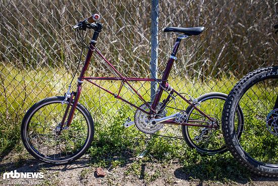 Ein Moulton TSR: Kleine Laufräder, extravaganter Rahmen