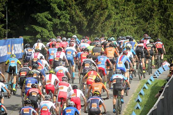 Das Staterfeld im U23-Rennen war nochmals größer als in Albstadt!