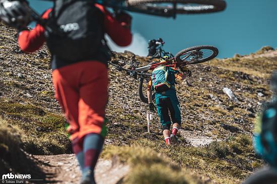 Neben den Rennteilnehmern sind auch unzählige andere Bergfreunde auf den Trails unterwegs