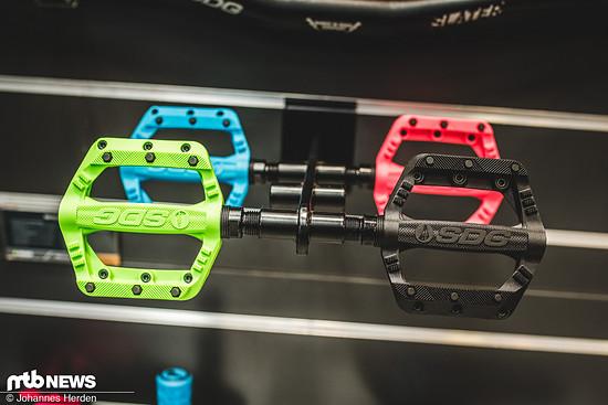 Die Slater Jr Pedale gibt's in 90 mm x 90 mm Breite - perfekt für kleinere Nachwuchsfahrerfüße