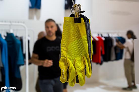 ... und Handschuhe hinterlassen einen ausgezeichneten Eindruck.