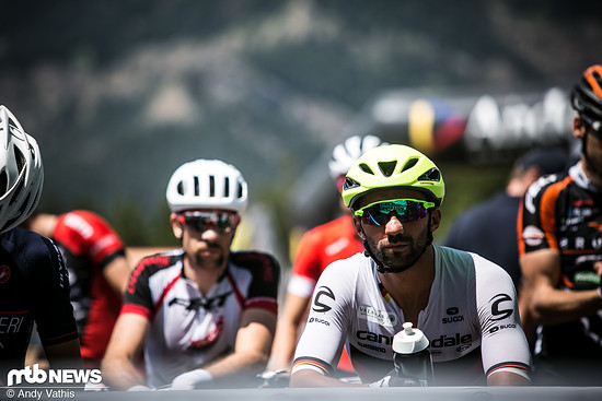 Manuel Fumic fokussiert vor dem Start