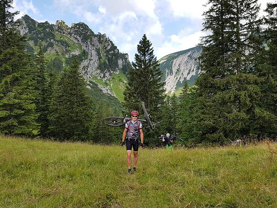 Alpentour, Tragepassage