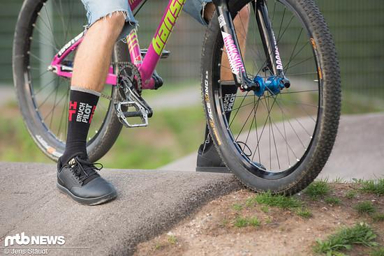 Wie ein klassischer Sneaker sieht der District aus, soll aber als Schnittstelle zwischen Radsport und Alltagseinsatz dienen.