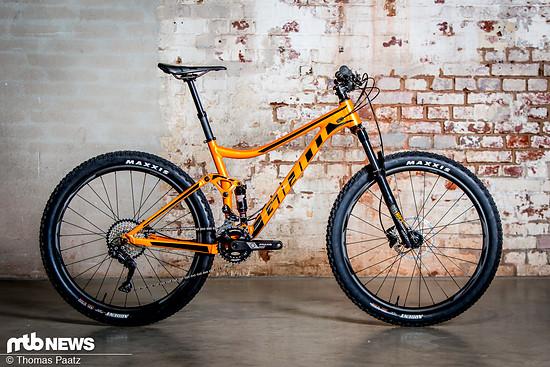 """Das Giant Stance rollt auf 27,5"""" Laufrädern und bietet 120 mm Federweg."""