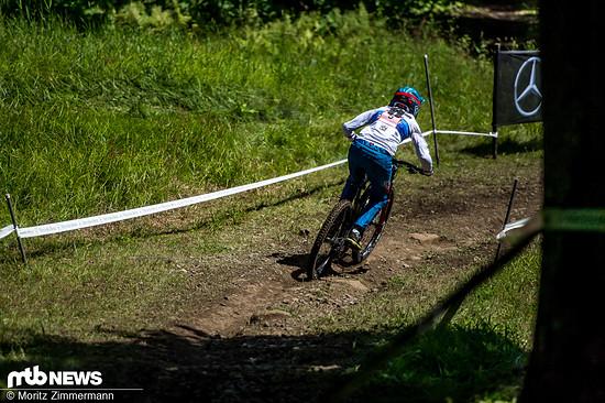 Monika Hrastnik hat auf dem von Vali Höll geliehenen Rad zwar knapp das Podium verpasst, schiebt sich aber in der Gesamtwertung vor auf Rang 4!