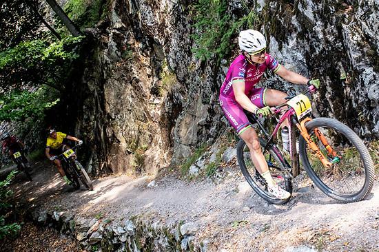 Sabine Spitz gab beim Rothaus Bike Giro ihr Comeback, nachdem die vielfache deutsche Meisterin bei einem Sturz beim Weltcup in Val di Sole vor einigen Wochen mit langwierigen Nackenproblemen zu kämpfen hatte