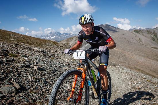 Urs Huber sicherte sich den Sieg beim abschließenden Marathon - ein schlechtes Bergzeitfahren brachte ihn um die Chance um den Gesamtsieg des Etappenrennens zu fahren