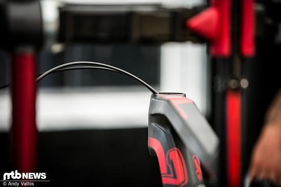 Innenverlegte Züge am neuen Thömus Race-Fully von Lukas Flückiger