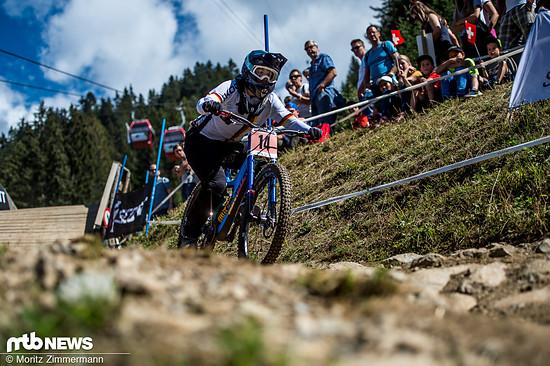 Nina Hoffmann darf auf eine sehr starke Premierensaison im Downhill World Cup zurückblicken