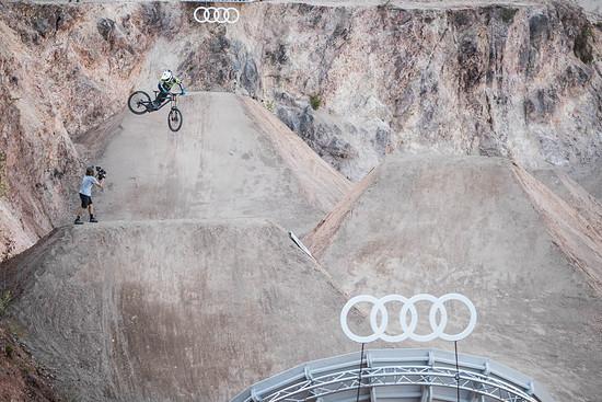 Pro Mountainbiker und GMBN-Berühmtheit Blake Samson ist auch am Start
