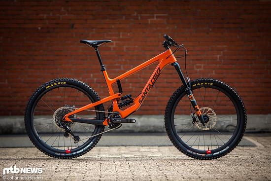 "Santa Cruz Nomad 4 CC XX1 Coil in der Farbe ""Orange and Carbon"""