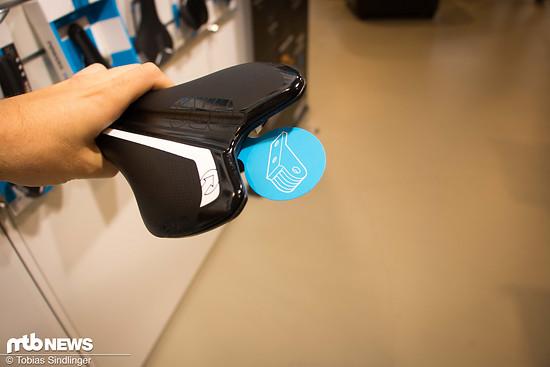 Bei einigen Produkten aus dem Hause PRO kann ein Minitool oder auch eine GoPro direkt am Sattel montiert werden.