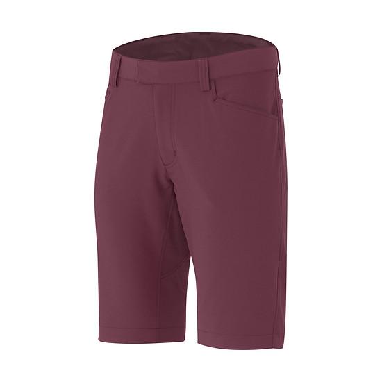 Zusätzlich findet sich in der Kollektion eine vielseitig einsetzbare Shorts aus Stretch-Gewebe wieder.