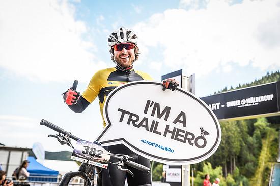 """Geschafft! Die Finisher dürfen sich zurecht """"Trail Hero"""" nennen!"""